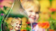 這款軟體讓使用這將照片製作出獨特的畫中畫效果,以原照片加上稍微糢糊的效果當背景,再將特寫顯影 […]